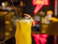 06 Barbara Ann coctel Thunder con vodka zumo de naranja vainilla y romero