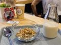 13 Cereal Hunters cereales Cinnabon y leche de almendras