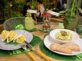 Invernadero Salvador Bachiller Pollo al curry en pan Bao y ensalada de quinoa
