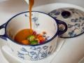 MEATING Verduras de temporada con sopa cremosa de pollo y jamon