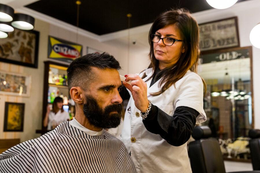 Barberia COMPADRE BARBERs club Cortes y cuidado de la barba