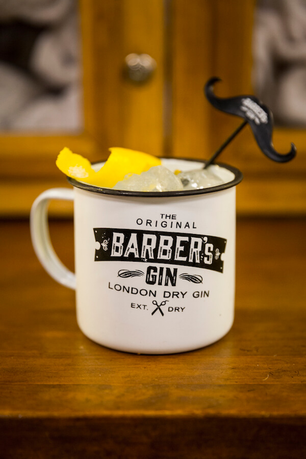 Barberia COMPADRE BARBERs club Gin tonic