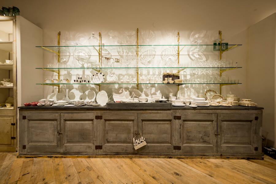 CRISTINA ORIA muebles y vajillas de porcelana