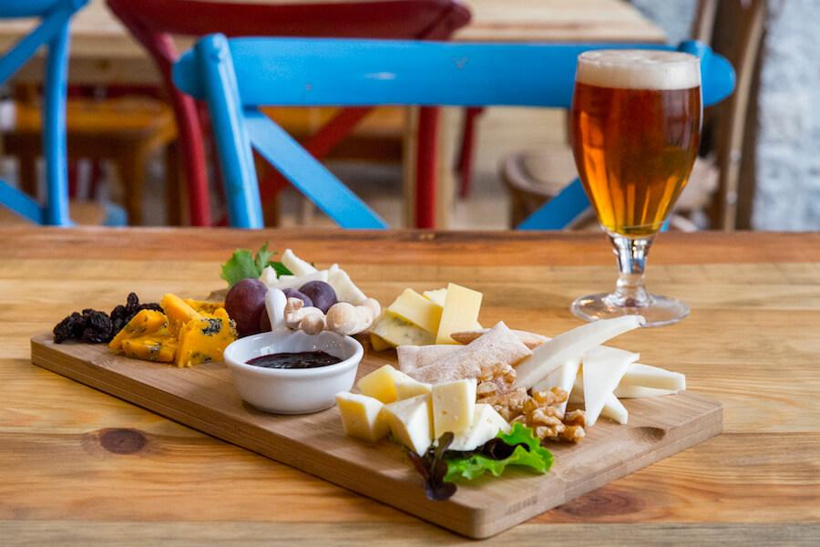 CUATRO GATOS tabla de quesos