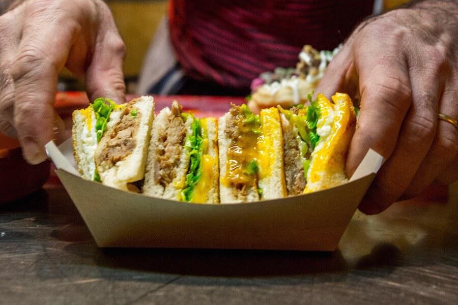 EL IDEAL Sandwich de costilla barbacoa con queso Payoyo