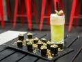TERRAZA CASA AMERICA Maki especial Crudo Bar con coctel Cucumber Moment