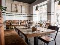 GARAJE GRILL salon comedor con grandes ventanales