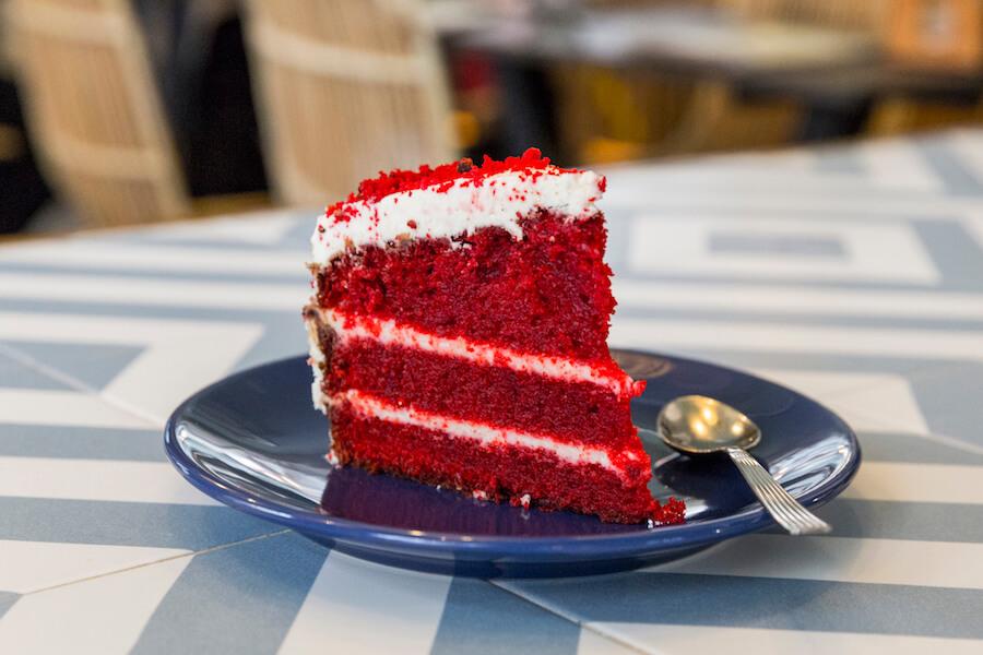 RAW COCO Bar porcion de Tarta Red Velvet