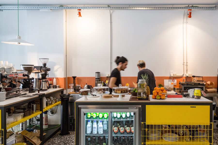 TOMA CAFE 2 cafes tartas y bizcochos caseros