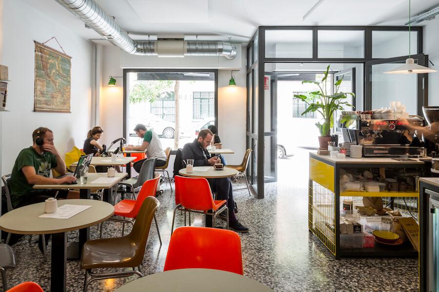TOMA CAFE 2 para trabajar o compartir un cafe con amigos