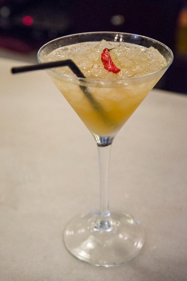 Varsovia Cocktail and Bar Coctel Hot Angela