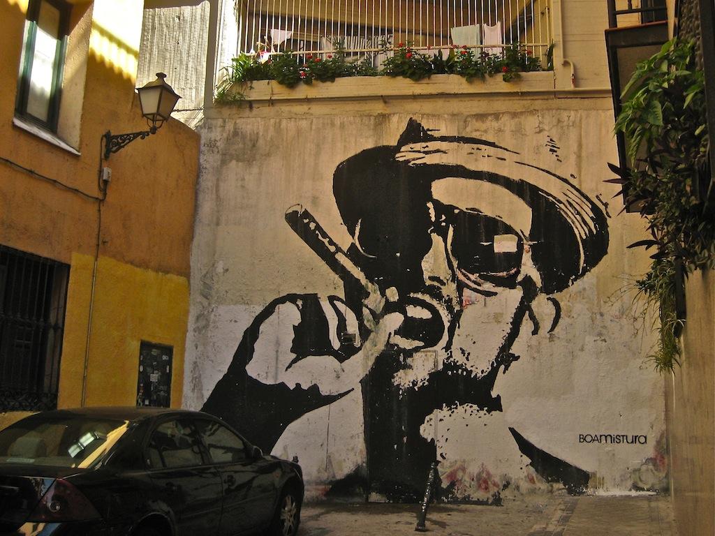 Graffiti del colectivo BoaMistura en el callejón de San Dimas