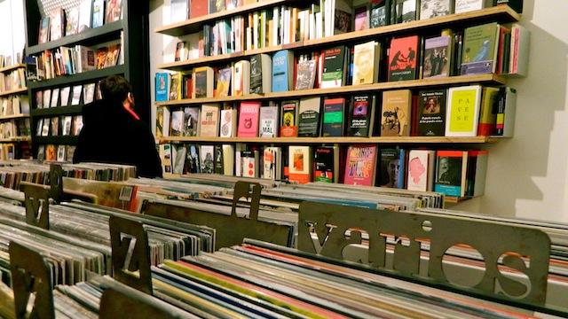 Librería Bajo el Volcán. Lavapiés, Madrid