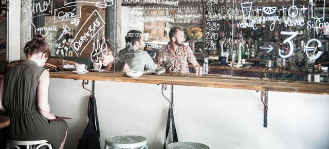 Bar Sifón, en la plaza del Rey