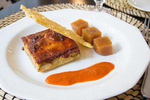 Ganz Cochinillo asado con salsa de sobrasada membrillo y parmesano
