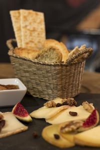 Fogg Bar Birras and Cheese