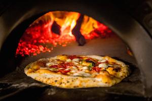 nap-pizza-regina-en-el-horno