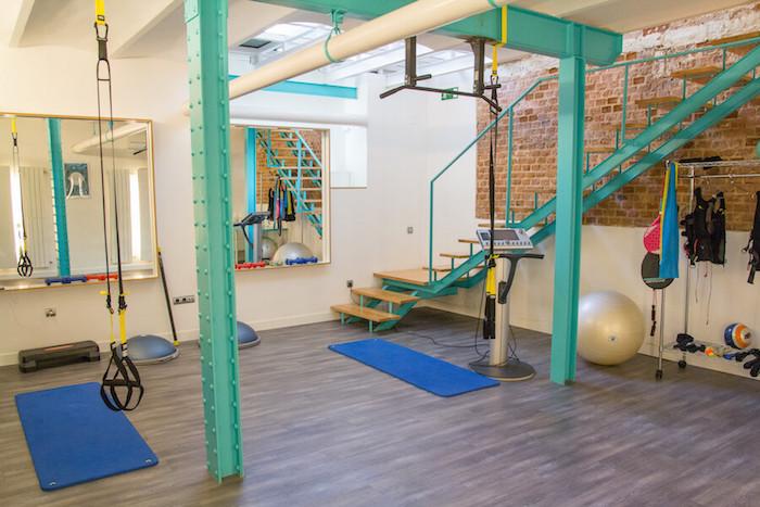 Fit care gimnasio y centro de entrenamiento personal for Gimnasio zona centro