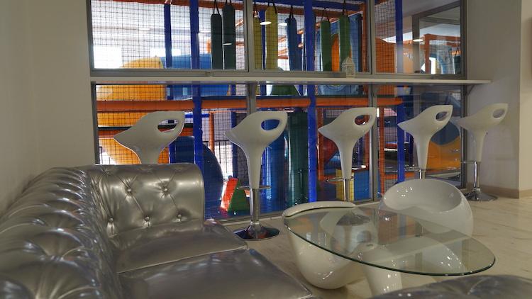 Periquitos Park. Parque de bolas infantil para adultos en Canillejas