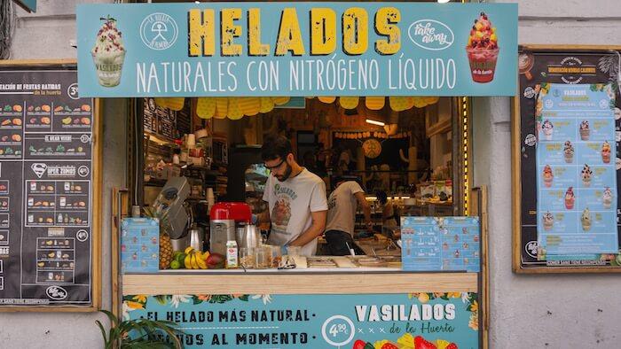 VASILADOS Helados naturales elaborados con nitrogeno liquido