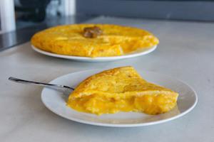 PEZ TORTILLA Tortillas de patatas y cervezas artesanas en La Latina