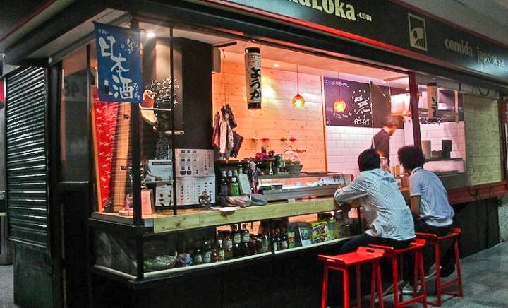 YOKALOKA puesto comida japonesa mercado Antón Martín