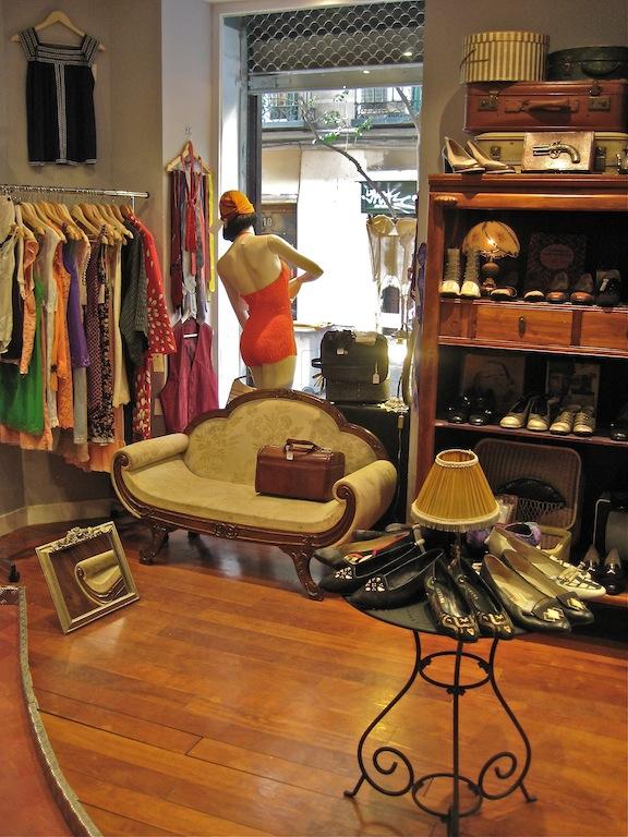 Magpie urraca tienda vintage en malasa a for Vaciado de locales en barcelona