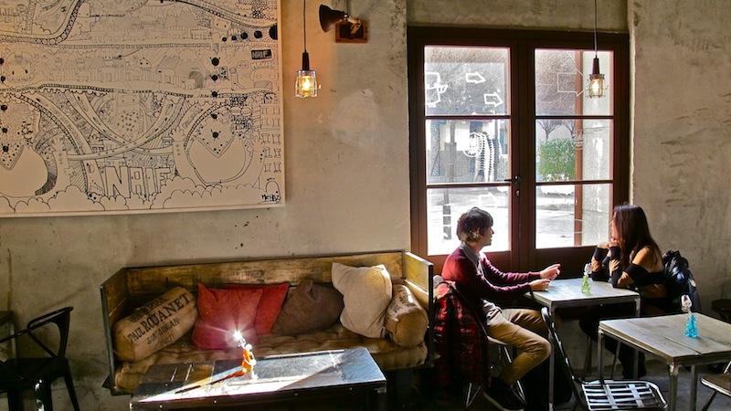 Naif, restaurante bar en plaza San Ildefonso