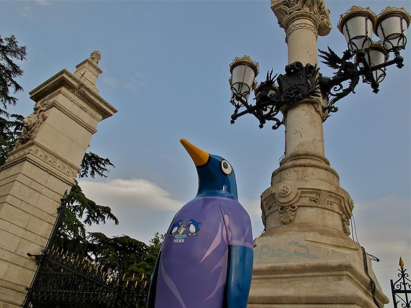 El proyecto Penguin Madrid, impulsado por Faunia, trae 10 pingüinos más, diseñados por algunos de los grandes de la moda, a distintos puntos del centro de la ciudad