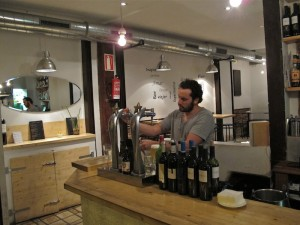Bar la Pasa en La Latina / Los Austrias