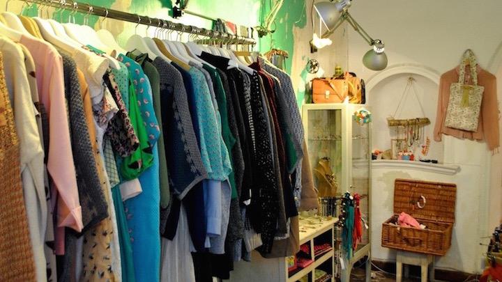 Ad Hoc y Vinca per vinca, ropa, complementos y flores