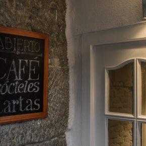 02-mur-cafe