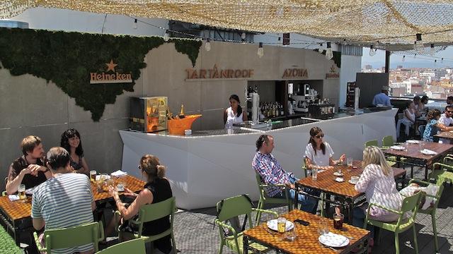 Tartan roof el restaurante de la azotea del c rculo de for Azoteas madrid