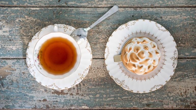 Motteau-cafe-y-tartaleta-de-limon