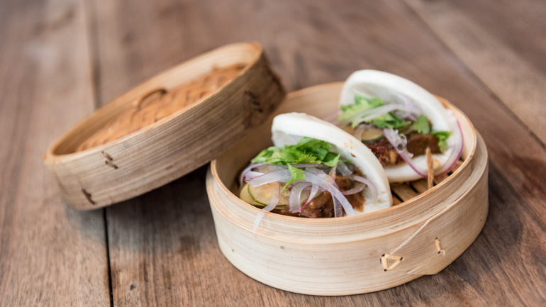 Tandem Bao con carrillera y curry rojo