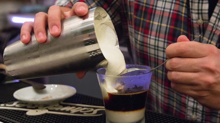 The Traveller | Cócteles y café de barista en Malasaña