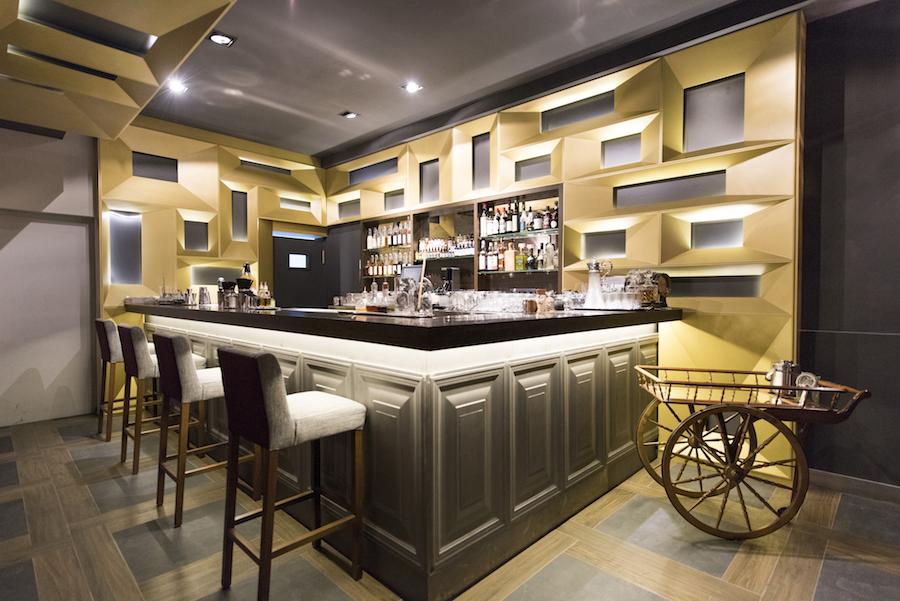 Angelita restaurante y bar de vinos junto a gran v a for La casa encendida restaurante madrid