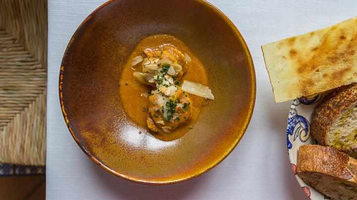 LA MALAJE Raviolis con berza y queso payoyo