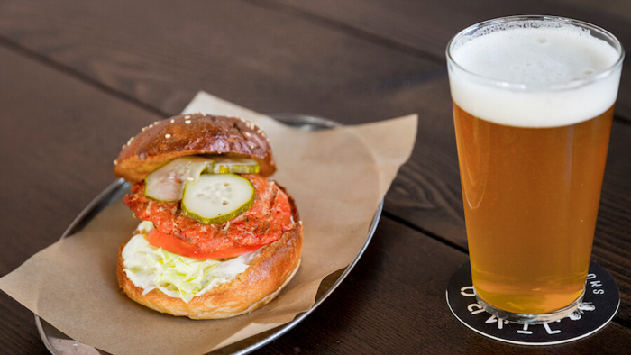 Jimbo Smokehouse Chorizo Burger-2
