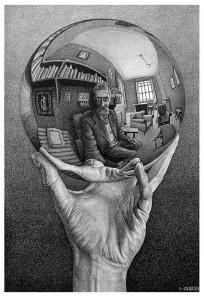ESCHER_Mano con esfera reflectante