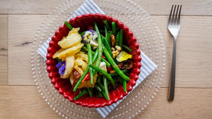 ELEKTRA Ensalada templada de judias verdes de Kenia con queso y nueces pecanas-2