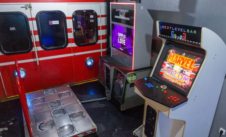 Next Level Arcade Bar Sala De Recreativos Junto A La Plaza De La Luna