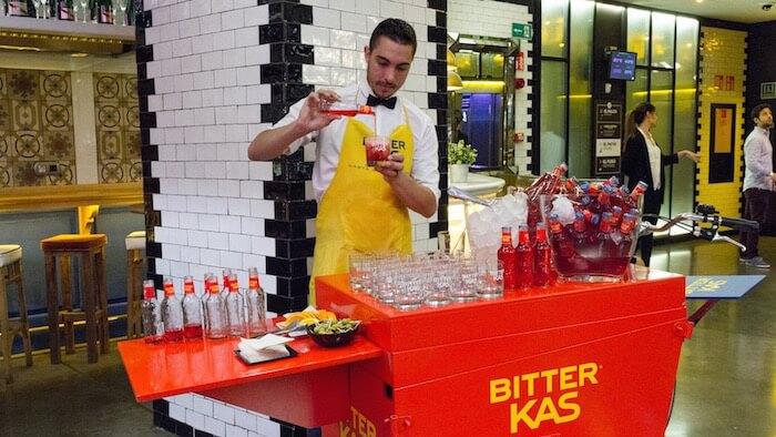 BITTER KAS El aperitivo con un toque amargo