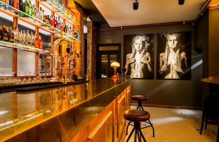 Decadente Restaurante Y Coctelería En El Barrio De Las Letras