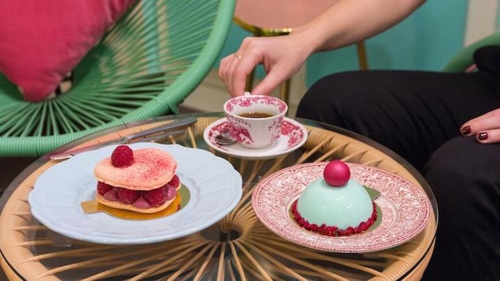 KITSCHY desayuno con tarta Pink y Kitschy