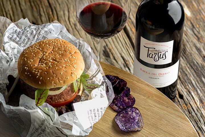 Quinta de Tarsus y hamburguesa de pato