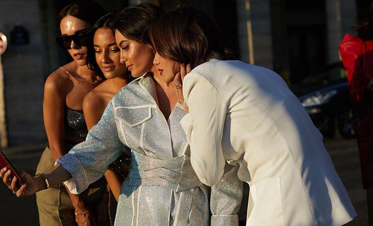 52bf947433 La moda toma las calles en Vogue Fashion Night Out   Compras en Madrid