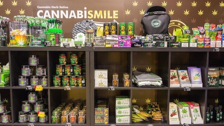 CANNABIS STORE AMSTERDAM MADRID artículos de cannabis comestibles y relacionados perfectamente legales