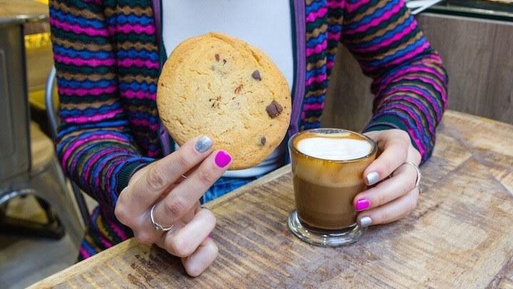 CANNABIS STORE AMSTERDAM MADRID café y galletas de cannabis