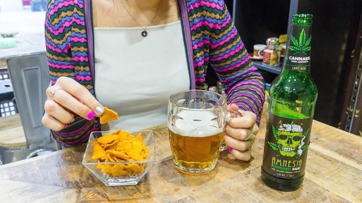 CANNABIS STORE AMSTERDAM MADRID cerveza amnesia y aperitivo de cannabis